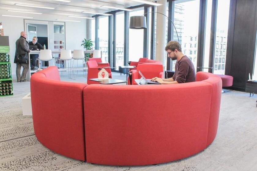 Digitale Leute - Tobias Röver - Microsoft - Tobias ahat die Möglichkeit überall zu arbeiten.