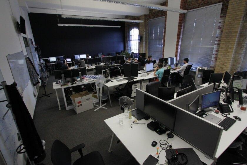 Software Engineer bei der Arbeit bei Auctionata