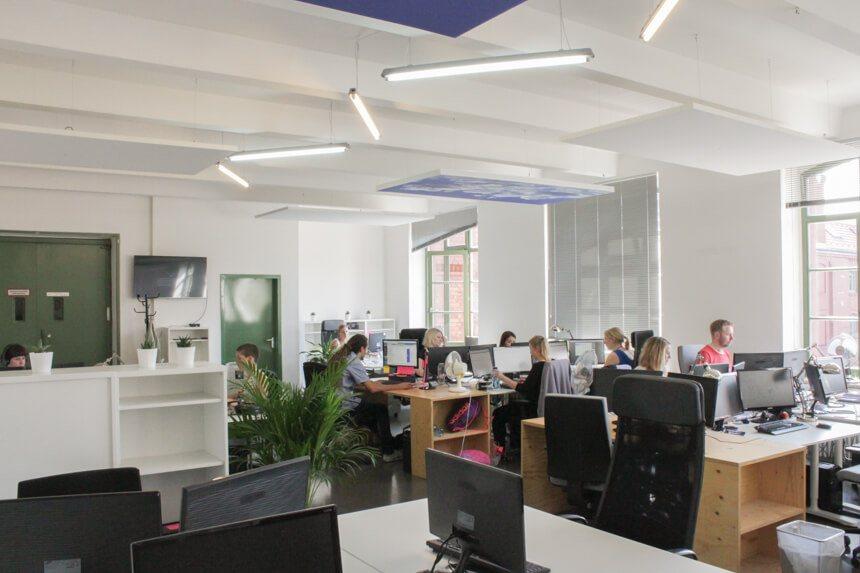 Digitale Leute - Hagen Wolf - Secret Escapes - Im Berliner Office von Secret Escapes sitzen bis zu 60 Mitarbeiter.
