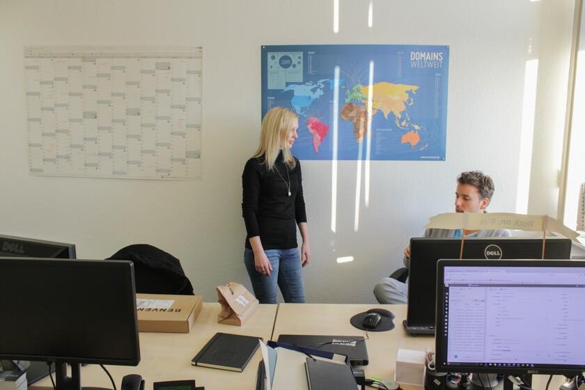 Digitale Leute - Kerstin Timm - Artaxo - Kerstin im Gespräch mit dem Geschäftsführer von Artaxo.