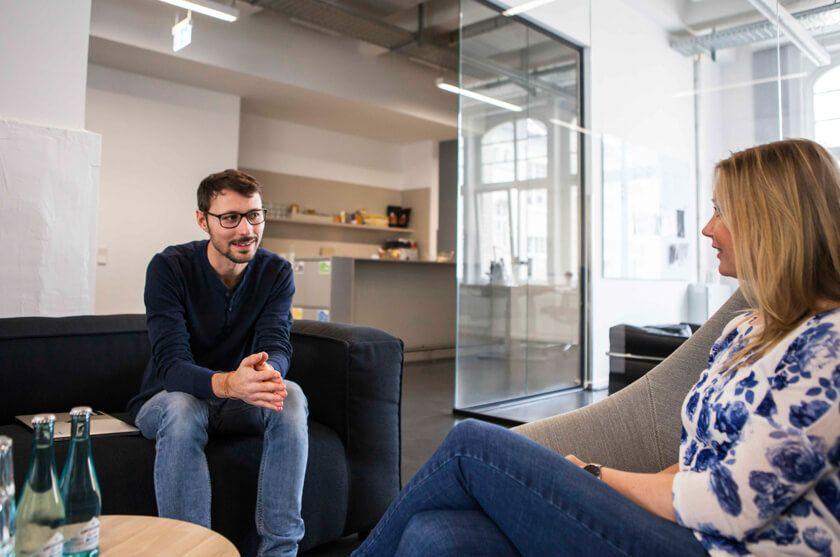 Digitale Leute - Martin Junker - Idealo - Bei Idealo gibt es viele Möglichkeiten sich eben mal zusammen zu setzen oder etwas zu relaxen.