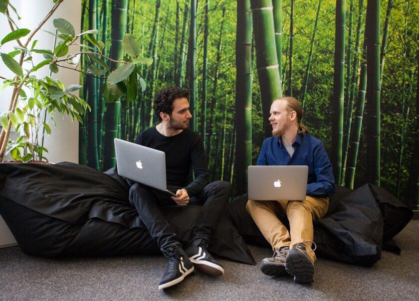 Digitale Leute - Bjarke Walling - Book A Tiger - Ganz Startup-like gibt es natürlich auch Sitzsäcke bei Book A Tiger.