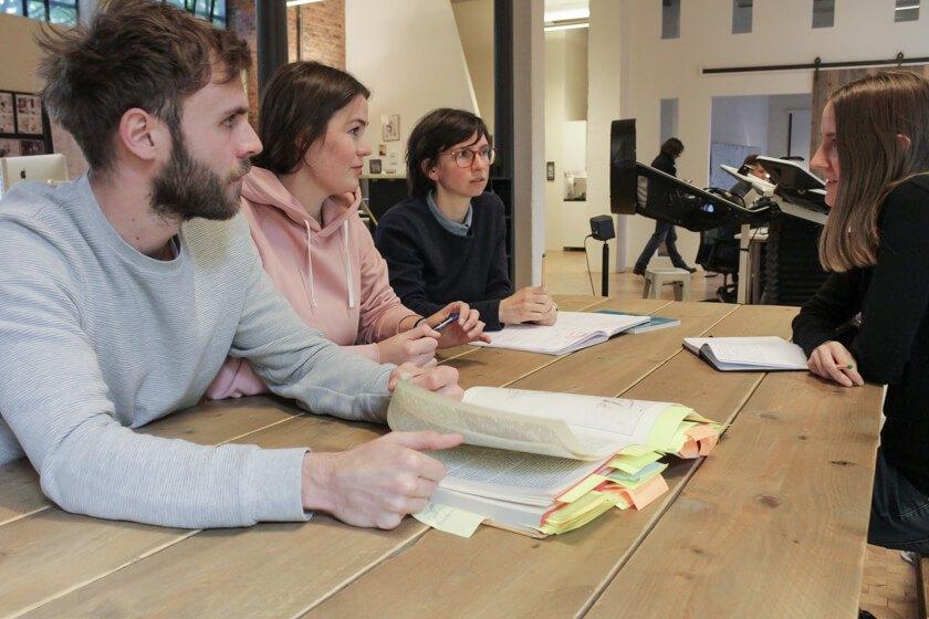 Digitale Leute - Mariana Gütt - Demodern - Die Teams bei Demodern nutzen von Scrum, was ihnen sinnvoll erscheint und was sie für das aktuelle Projekt für sinnvoll erachten.
