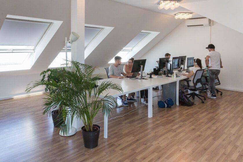 Digitale Leute - Alexander Kaiser - Pooliestudios - Noch ist Platz zum Wachsen: Bis zum ende des Jahres sollen 30 Mitarbeiter unter dem Dach Platz finden.