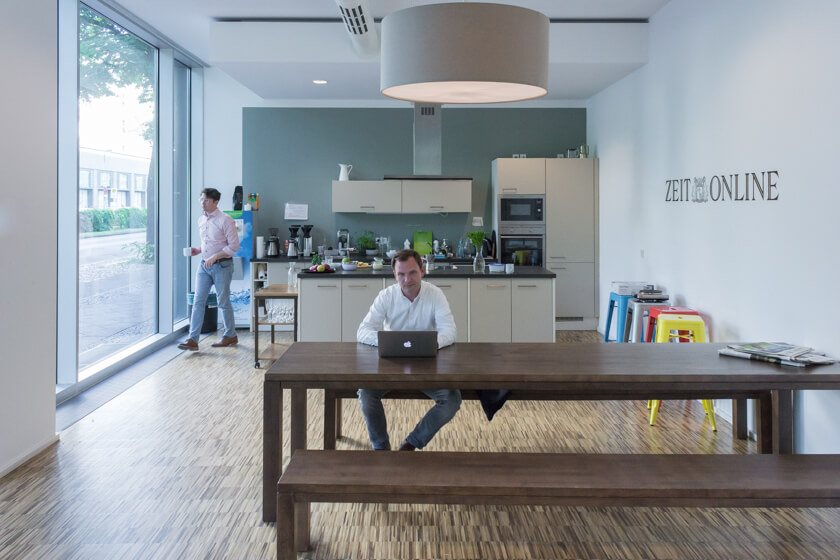 Digitale Leute - Michael Schultheiß - Zeit Online - Für Michael Schultheit, Head of R&D bei Zeit Online, ist die Arbeit mit Menschen sehr inspirierend.