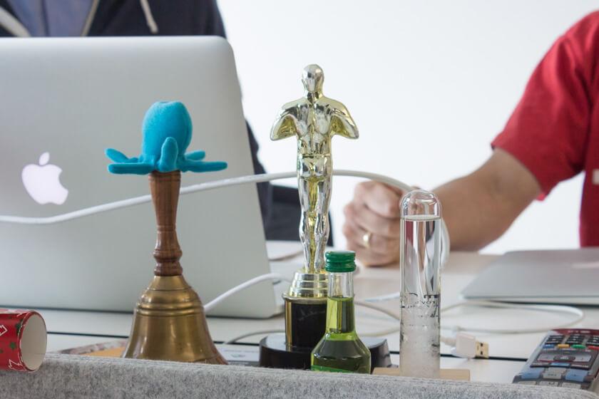 Digitale Leute - Markus J. Doetsch - Rocket Internet - So sieht der Schreibtisch von Startup-CTO Markus J Doetsch bei InstaFreight aus.