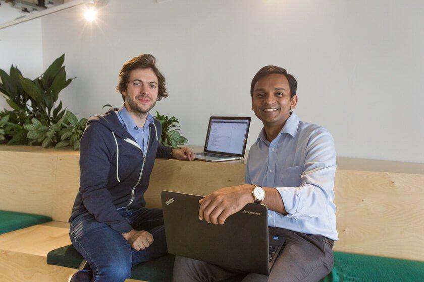 Digitale Leute - Markus J. Doetsch - Rocket Internet - Markus und ein Kollege bei einer kurzen Besprechung.