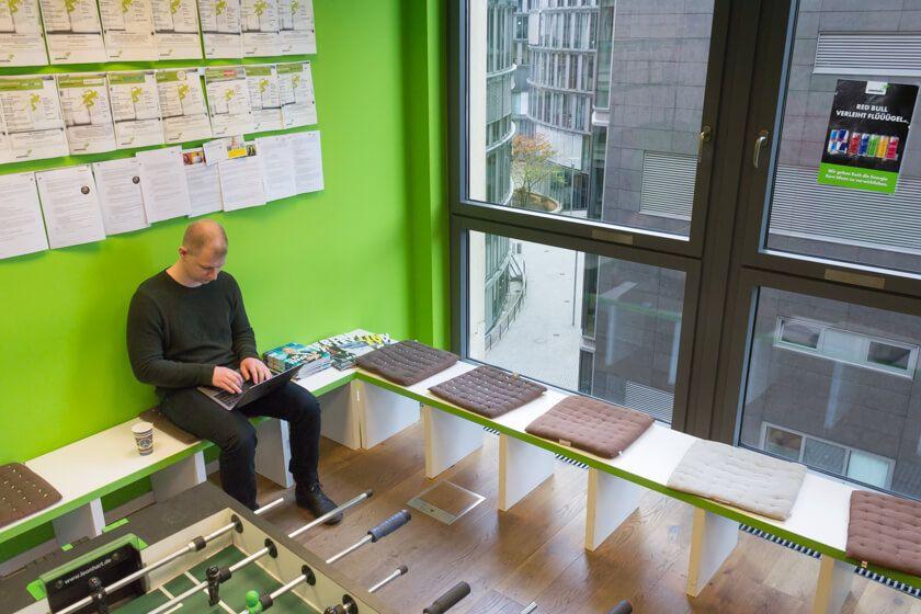 Digitale Leute - André Hoendgen - Justix - André ist 28 Jahre und erst seit ein paar Monaten bei m jungen Legaltech-Startup Justix in Köln.