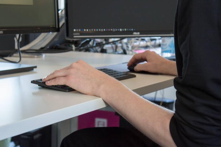 Digitale Leute - Stefan Klefisch - 42dp - Stefan braucht neben einem leistungsstarken PV zwei Monitore und die Ocolus Rift.