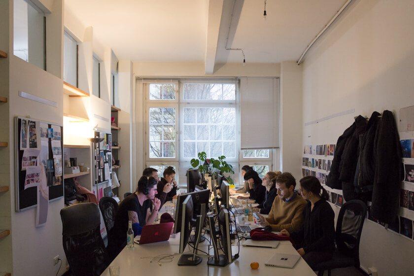 Digitale Leute - Adrienne Ossko - EyeEm - Die Marketing-Abteilung befindet sich bei EyeEm in einem anderen Teil des Gebäudes.