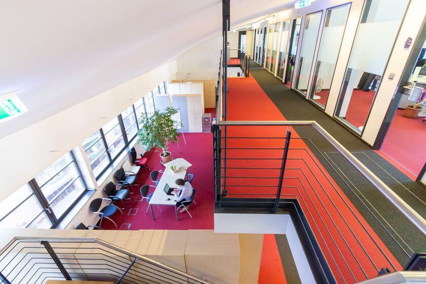 Digitale Leute - Thomas Lischetzki - Factset - Das Office von Factset in Frankfurt ist in eine ehemalige Fabrikhalle aus dem 19. Jahrhundert gebaut worden.
