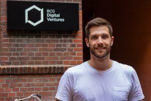 Außen-Portrait von Johannes Boyne, Engineering Lead bei BCG Digital Ventures.